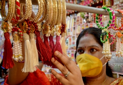Gift masks to sisters on Raksha Bandhan: Chandigarh UT adviser