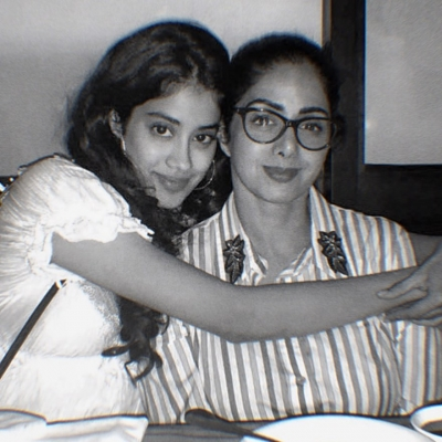 Janhvi posts pic with Sridevi on mother's 57th birth anniversary