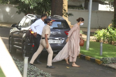 NCB quizzes Deepika, Sara, Shraddha in drug case related to SSR death (2nd Lead)