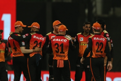 All-rounder Holder takes SRH to win, closer to playoffs (Lead)