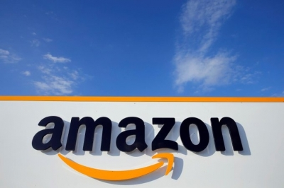 Activists team up with workers to protest against Amazon