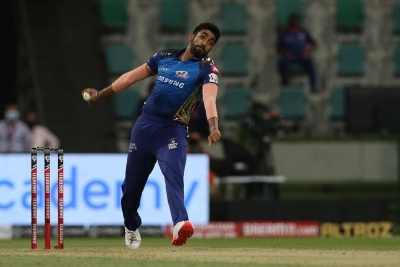 IPL: Early swing makes captains Kohli, Pollard change plans