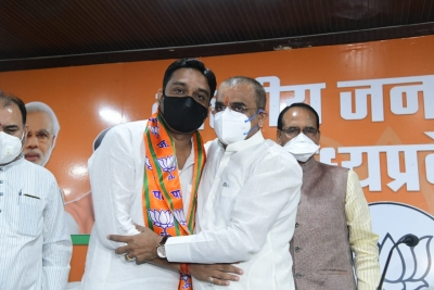 Cong MLA in MP resigns from Assembly, joins BJP