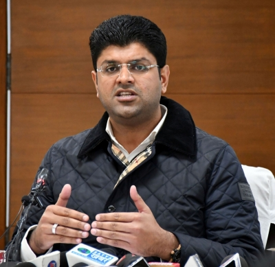 Chandigarh: Haryana Deputy Chief Minister Dushyant Chautala addresses a press conference, in Chandigarh on Dec 24, 2020. (Photo: IANS)