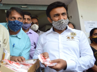 Bengaluru: Karnataka Minister of State for Health and Medical Education K. Sudhakar pays an inspection visit to COVID-19 vaccination cold storage at Health and Family welfare Dept, Anandrao Circle, in Bengaluru on Jan 10, 2021. (Photo: IANS)