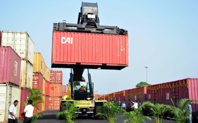 Indian exporters lose about $20 billion in Q1 due to non availability of containers.