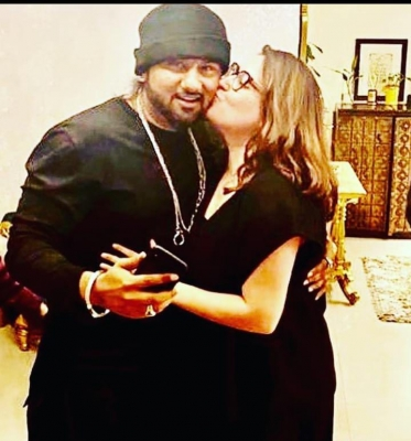 Yo Yo Honey Singh's wife accuses him of domestic violence, sex with multiple women (ld)