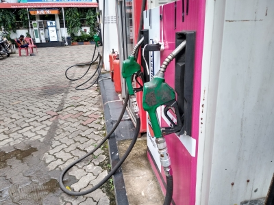 No increase in fuel prices for 2nd consecutive day on Tuesday