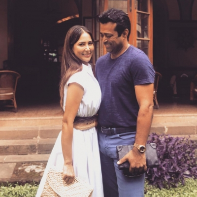 Kim Sharma confirms her relationship with Leander Paes