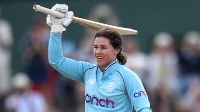 Beaumont century leads England to emphatic win over New Zealand