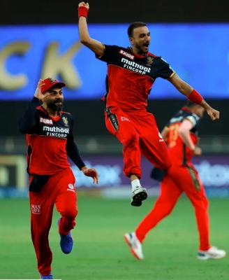 IPL 2021: Maxwell's all-round show, Patel's hat-trick power RCB to 54-run win (ld)